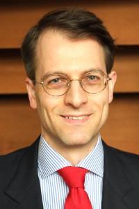 Dr Lars van Vliet